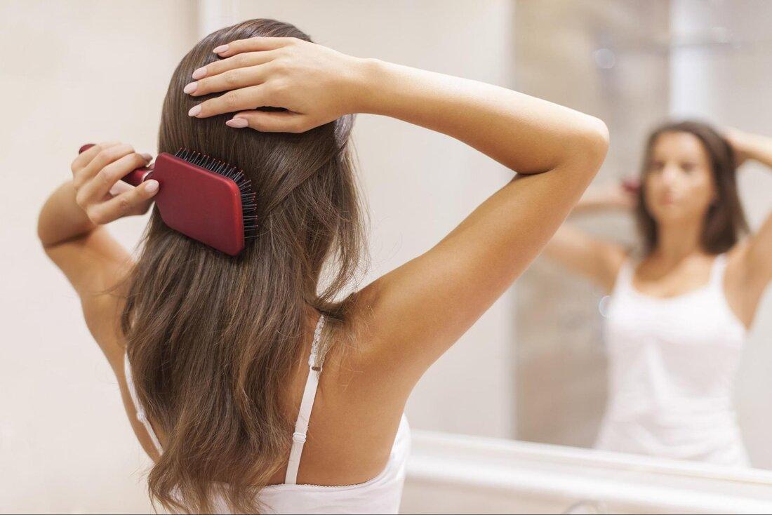 Vypadávanie vlasov pri česaní